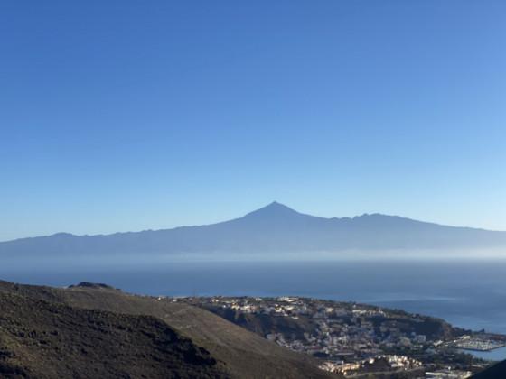 La Gomera mit dem Teide im Hintergrund im Januar 2020 mit der MS Herz