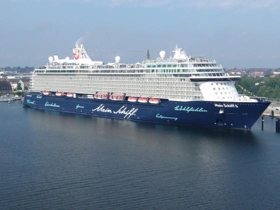 Die MS 6 im Hafen von Kiel